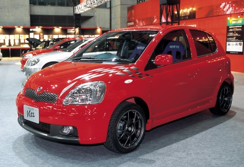 Vitz RSターボPowered by TRD